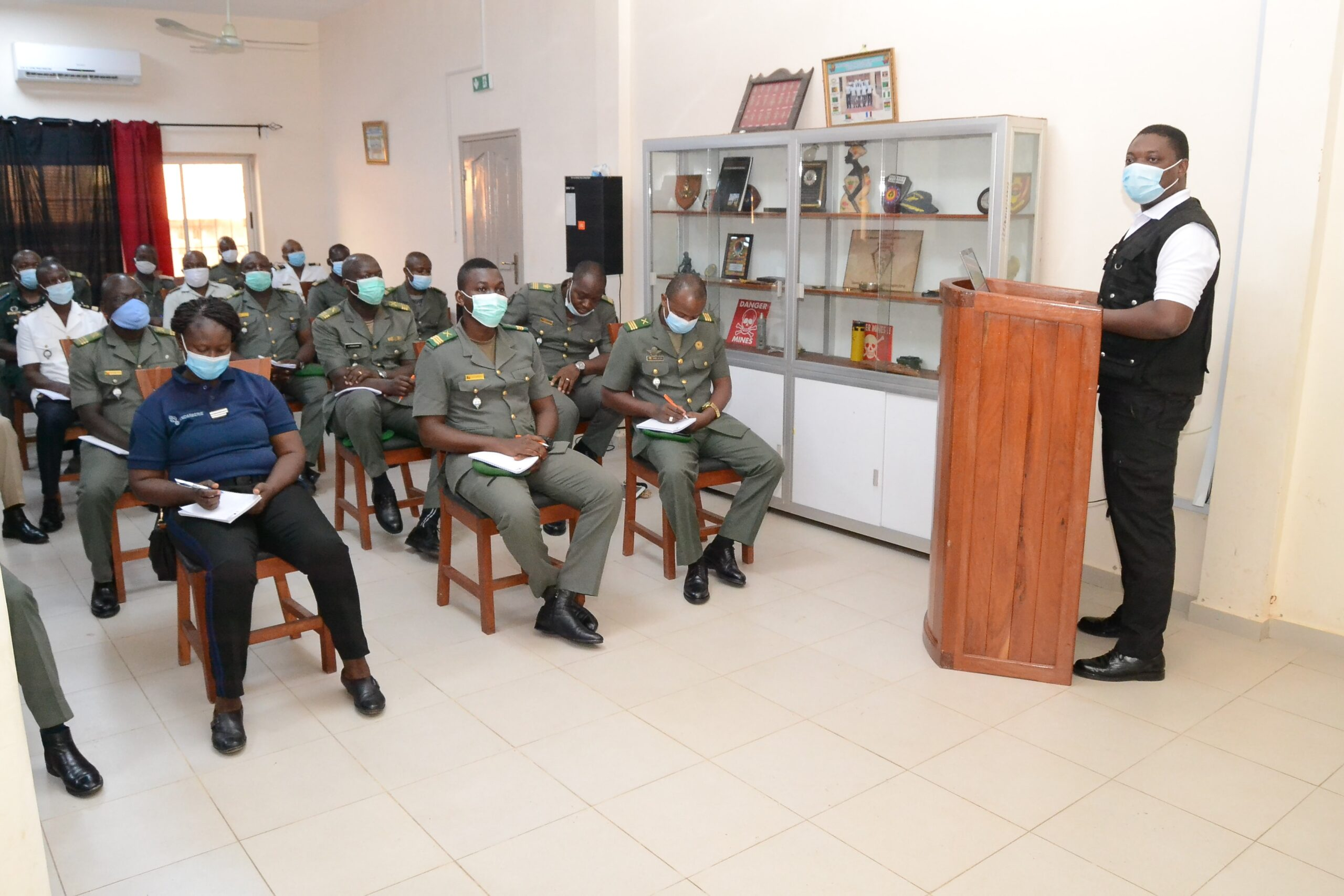 Le 16ème Cours d'Etat-Major de l'Ecole Nationale Supérieure des Armées (ENSA) en visite au CPADD