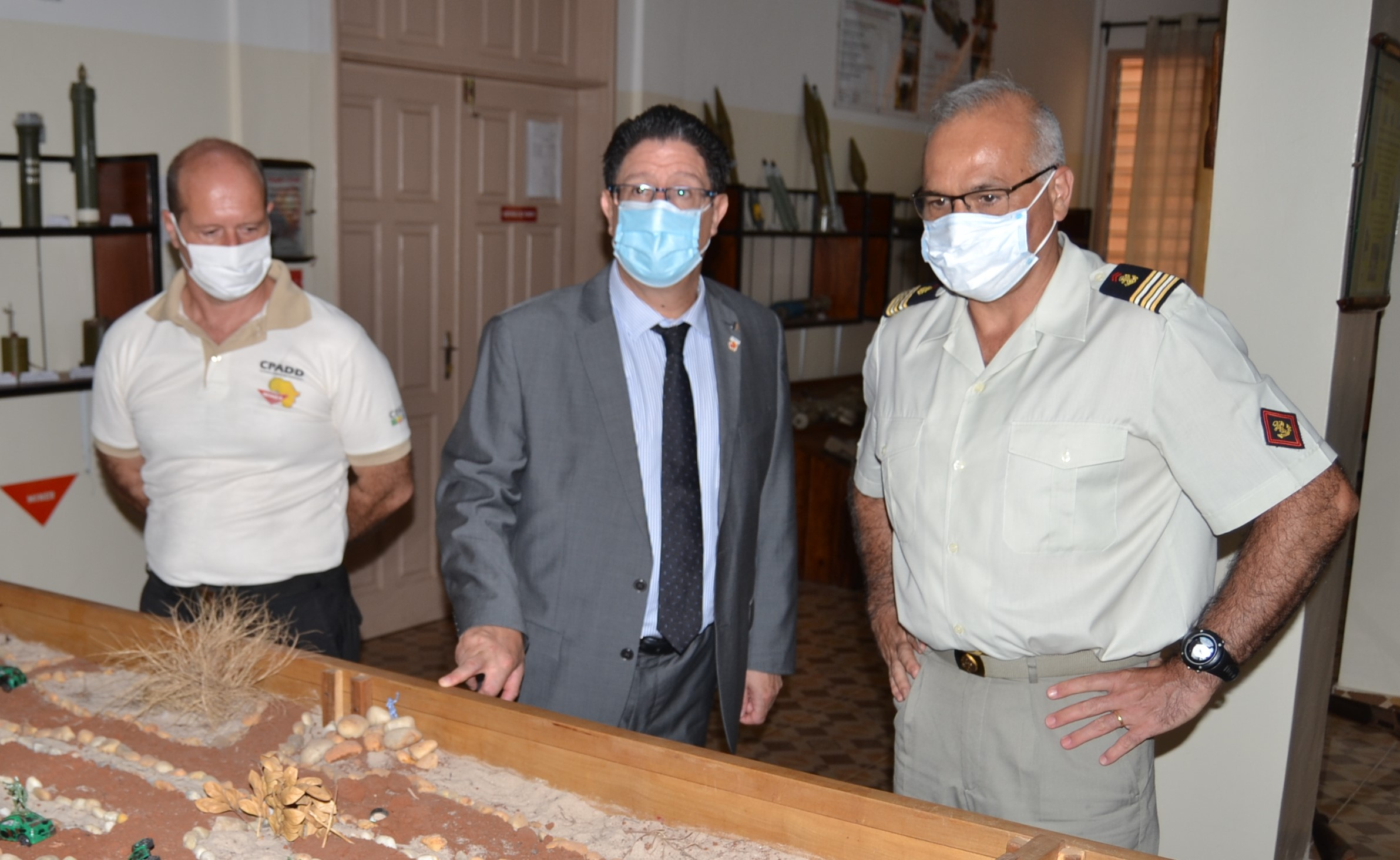 Visite de l'ambassadeur de France